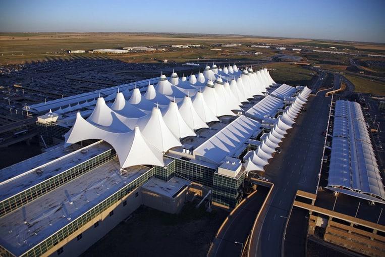 TOP 10: Les aéroports les plus grands du monde