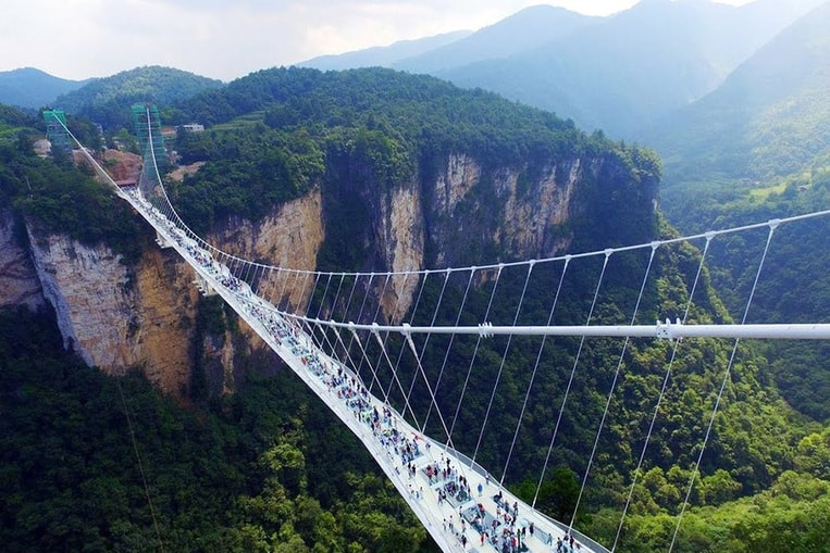 TOP 12: Les ponts les plus effrayants du monde