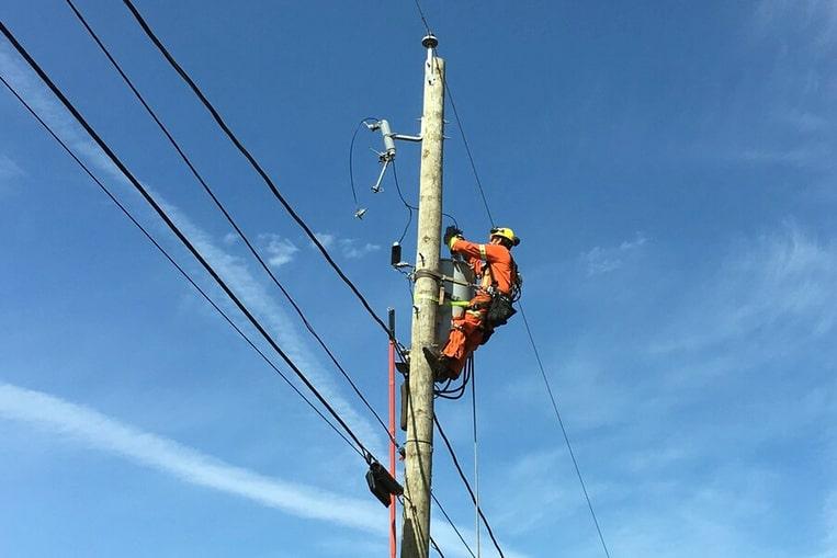 Monteur de lignes électriques
